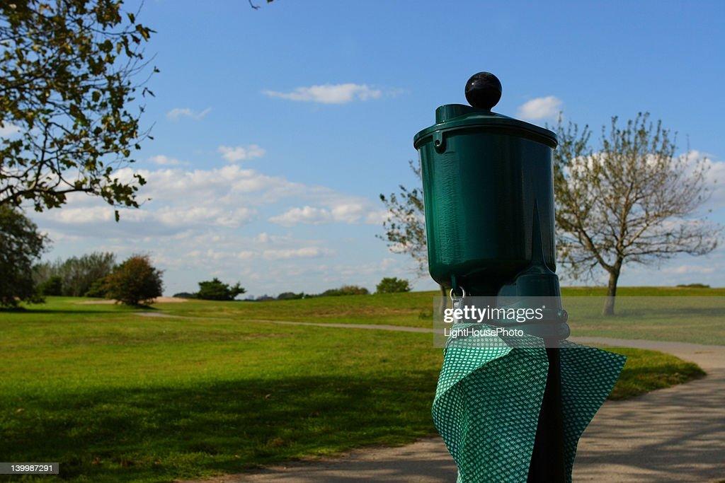 ゴルフ場で見掛ける「なんじゃこりゃ?」シリーズ #3 『ボールウォッシャー』
