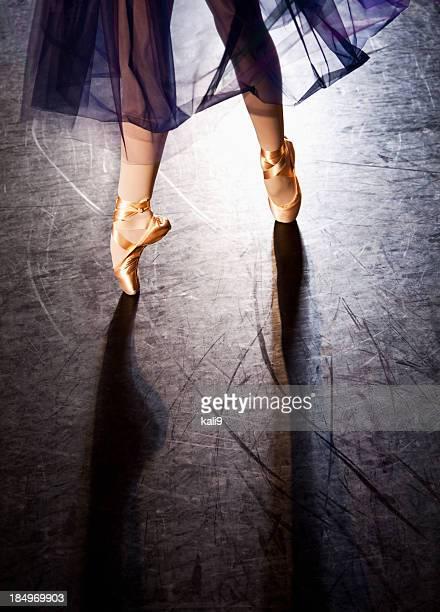 ballerina en pointe - ballerina feet stock photos and pictures