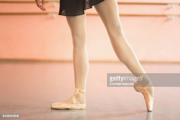 Belle ballerine jambes en pointe