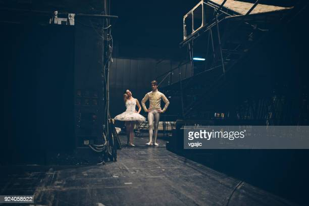 ballerinas life - backstage stock pictures, royalty-free photos & images