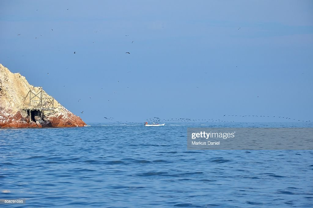 Ballestas Islands Guano Dock and Fishing Boat : Stock-Foto