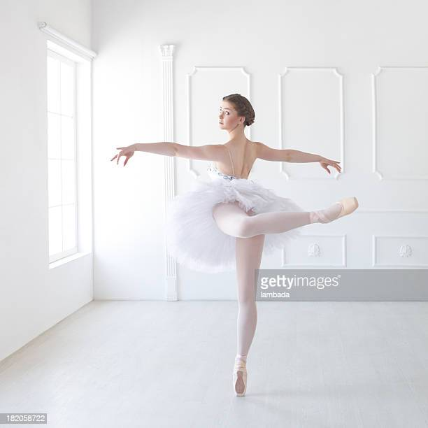 Ballett-Tänzerin im white studio