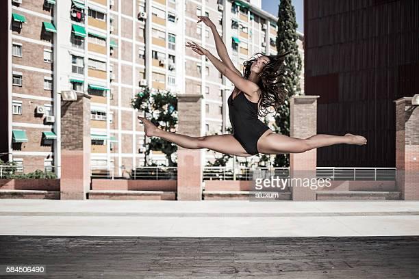 Balletttänzer Leistung in der Stadt