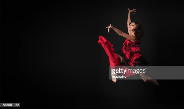 ballet dancer - modern dancing stock pictures, royalty-free photos & images