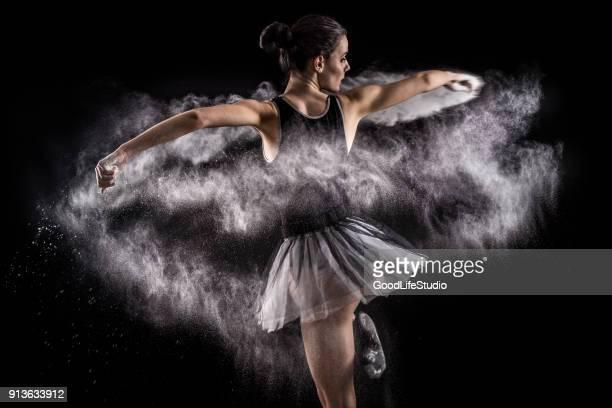 ballett-tänzer - tänzerin stock-fotos und bilder
