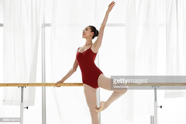 Ballet dancers in the dance classroom training