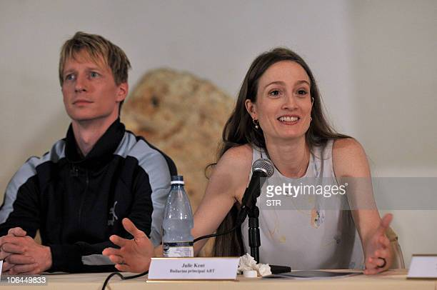 Ballet dancers Julie Kent and Ethan Stiefel members of the American Ballet Theatre participate in a press conference in Havana on November 2 2010 in...