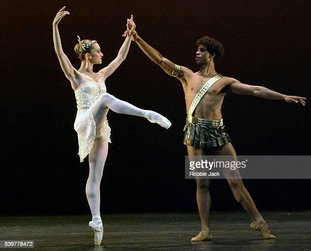 ballet dancers on stage - robbie jack stock-fotos und bilder