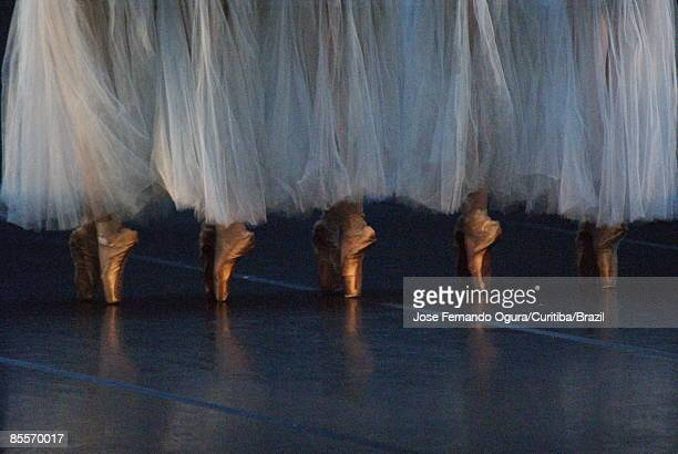 ballet dancers on toe - ballerina feet stock photos and pictures