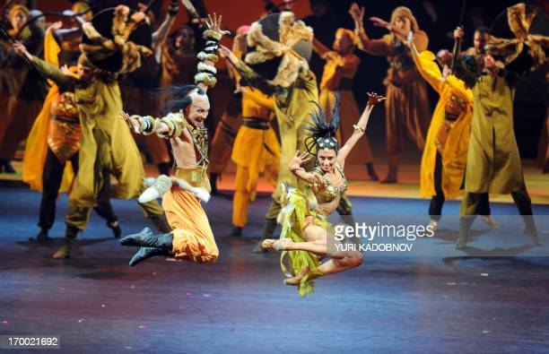 Ballet dancers perform Polovtsian dances during the dress rehearsal of the 'Prince Igor' opera by Russian composer Alexander Borodin at the Bolshoi...