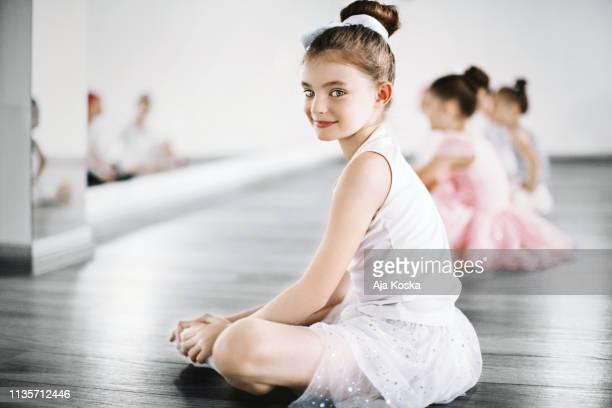 aula de balé. - bailarina - fotografias e filmes do acervo