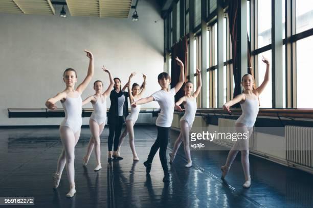 ballett-school - ballettstudio stock-fotos und bilder
