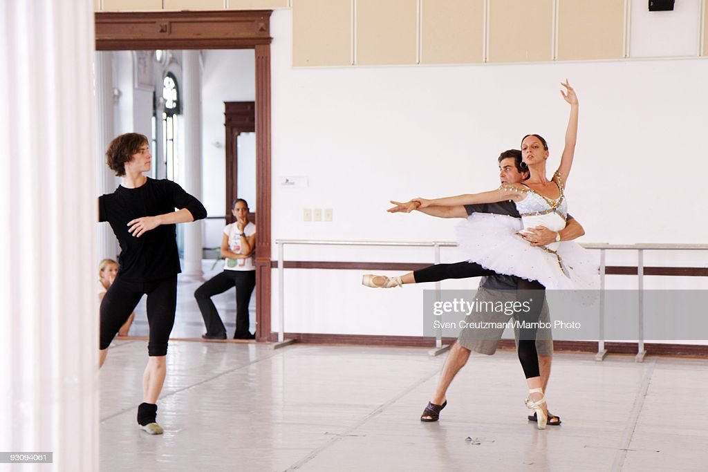 Royal Ballet Of London Performs In Cuba : News Photo
