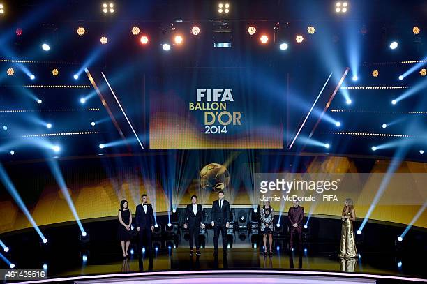 Ballon d'Or nominees Cristiano Ronaldo Manuel Neuer and Lionel Messi pose with FIFA Women's World Player of the Year nominees Nadine Kessler Abby...