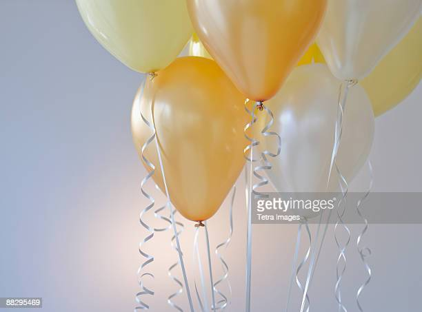 balloon bouquet - anniversary stock pictures, royalty-free photos & images