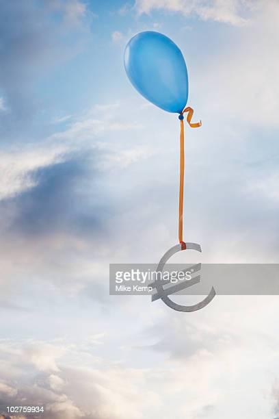 Balloon tied to a euro symbol