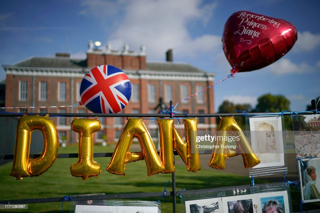 Princess Diana Is Remembered At  Kensington Palace On The 22nd Anniversary Of Her Death : News Photo