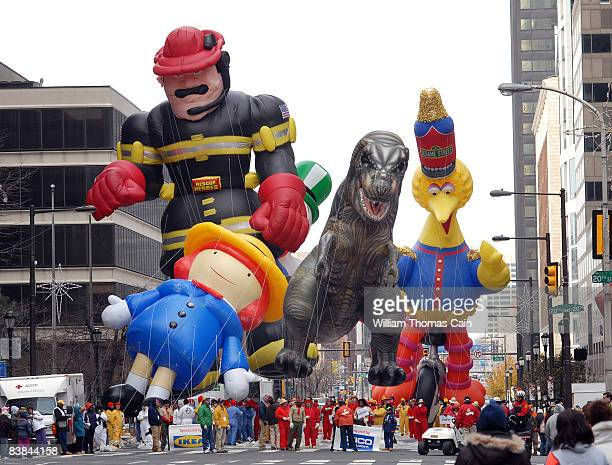 Balloons are pulled along Market Street during the 6ABC/IKEA Thanksgiving Day Parade November 27, 2008 in Philadelphia, Pennsylvania. The...