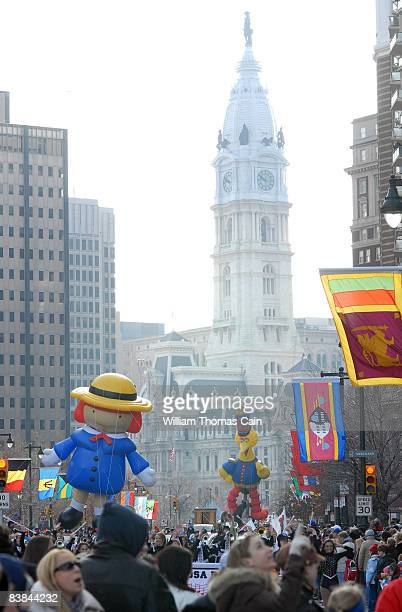 Balloons are pulled along the Benjamin Franklin Parkway during the 6ABC/IKEA Thanksgiving Day Parade November 27, 2008 in Philadelphia, Pennsylvania....