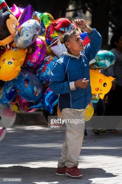 Ballons en vente sur le Día de los Muertos, Oaxaca