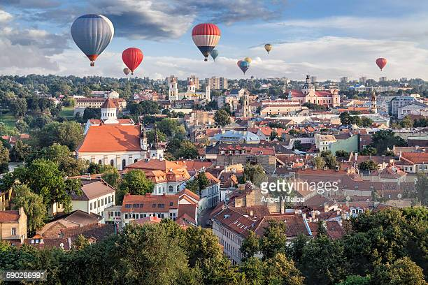 balloons over vilnius (i) - lithuania stock pictures, royalty-free photos & images