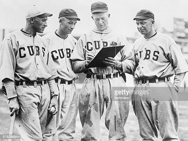 Ballplayers sign soldier bonus petition Grover Cleveland Alexander star twirler of the Chicago Cubs signing the soldiers' bonus petition His team...