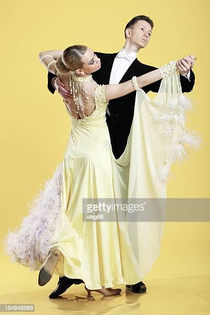 ballroom dancing - gewalt stockfoto's en -beelden