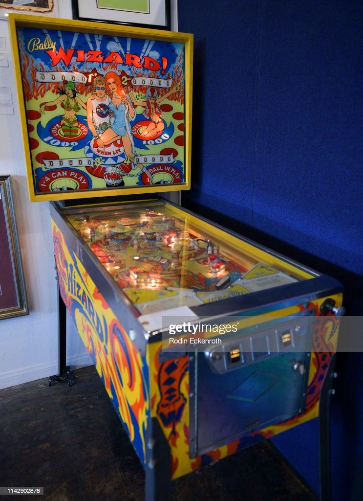 uusia valokuvia miten ostaa kuponkikoodit Bally Wizard! pinball machine at The Art of Entertainment ...