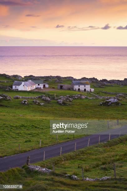 ballyhillin, rural landscape of donegal - contea di donegal foto e immagini stock
