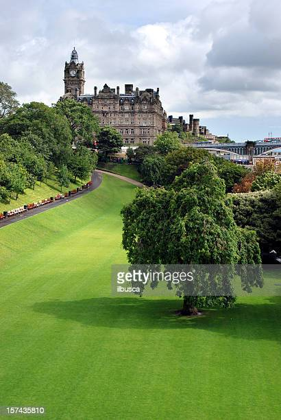 balmoral hotel and gardens, edinburgh - balmoral hotel stock pictures, royalty-free photos & images