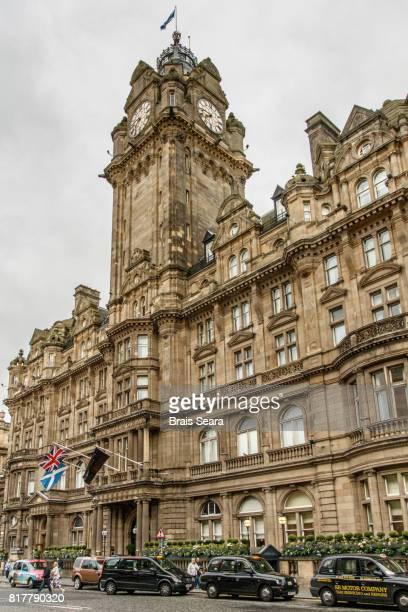 balmoral hotel clock, edinburgh - balmoral hotel stock pictures, royalty-free photos & images