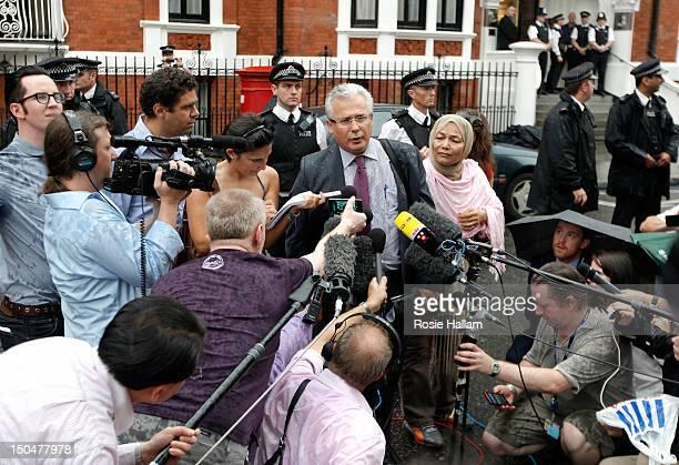 Baltasar Garzon, lawyer of Wikileaks founder Julian Assange speaks outside the Ecuador embassy in Knightsbridge on August 19, 2012 in London,...