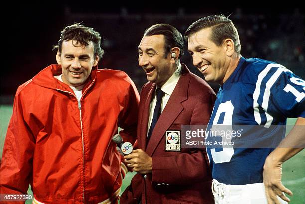 FOOTBALL Baltimore Colts vs Kansas City Chiefs 9/28/70 Kansas City Chiefs quarterback Lew Dawson Howard Cosell Baltimore Colts quarterback Johnny...