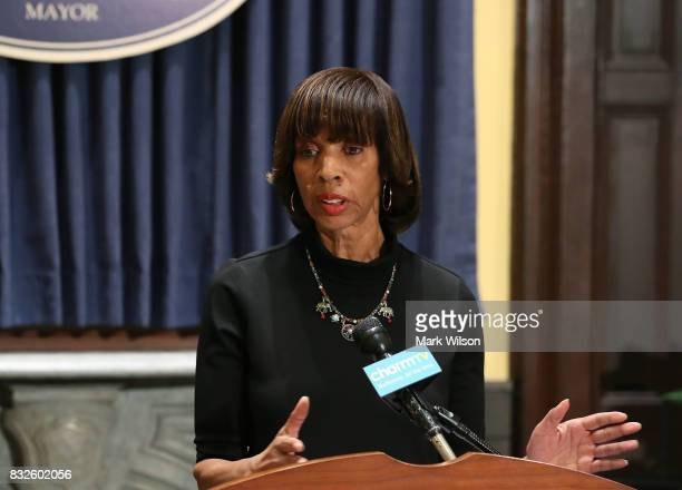 Baltimore Mayor Catherine Pugh talks about the late night removal of four confederate statues in the city on August 16 2017 in Baltimore Maryland The...