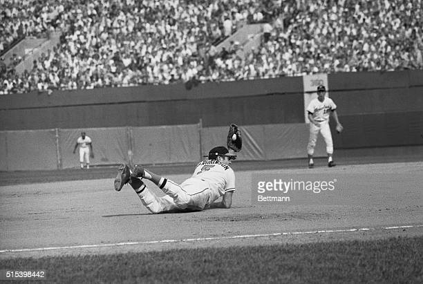 Baltimore's Brooks Robinson make a diving catch of a line drive by Cincinnati's Johnny Bench in the 5th inning of the 3rd World Series game The...