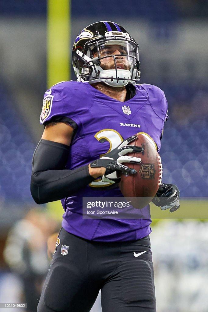 best cheap 284d2 d52ae Baltimore Ravens defensive back Bennett Jackson warms up ...