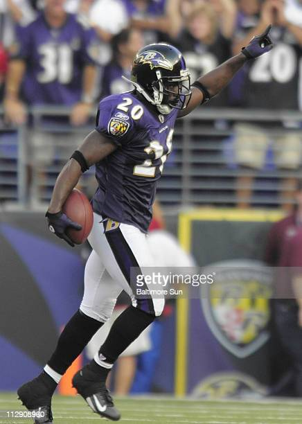 Baltimore Ravens' Ed Reed celebrates his touchdown after an interception of a pass by Cleveland Browns quarterback Derek Anderson during the third...