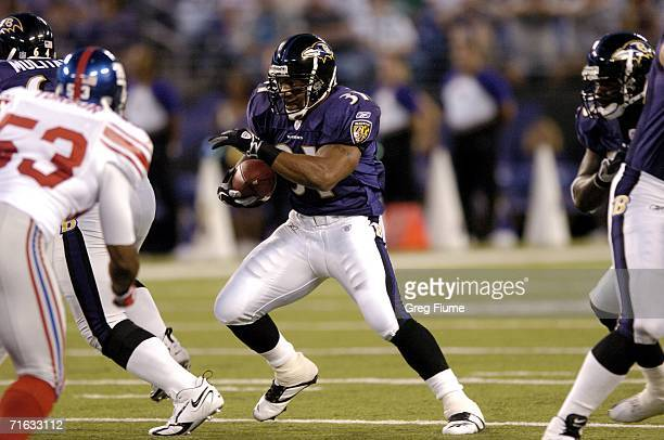 Baltimore Ravens Jamal Lewis rushes the ball against the New York Giants August 11 2006 at MT Bank Stadium in Baltimore Maryland