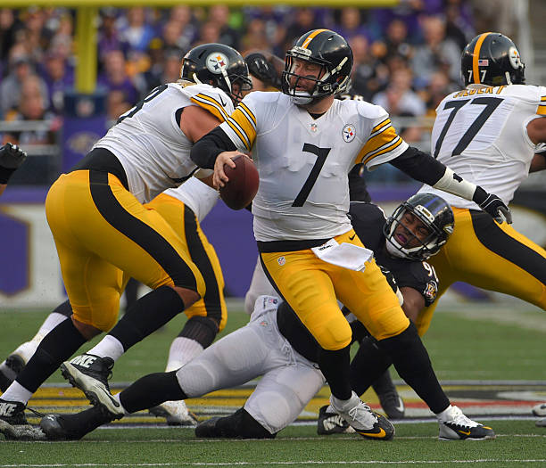 a5bf23591be1 Pittsburgh Steelers at Baltimore Ravens Pictures