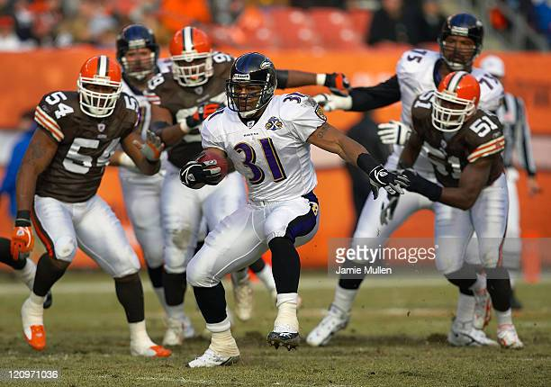 Baltimore Ravens Running Back Jamal Lewis during the game against the Cleveland Browns Sunday January 1 2006 at Cleveland Browns Stadium in Cleveland...