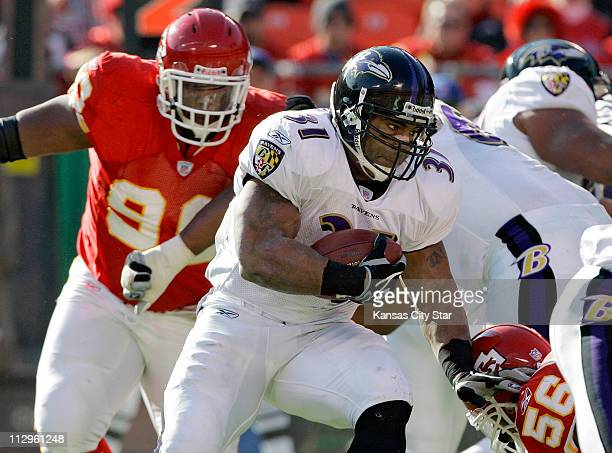 Baltimore Ravens running back Jamal Lewis threads through the Kansas City Chiefs defense in the first quarter The Ravens defeated the Chiefs 2010 at...