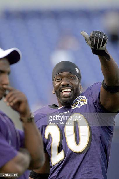 Baltimore Ravens S Ed Reed prior to the preseason game between the Washington Redskins and the Baltimore Ravens Sept2005 at MT Bank Stadium in...