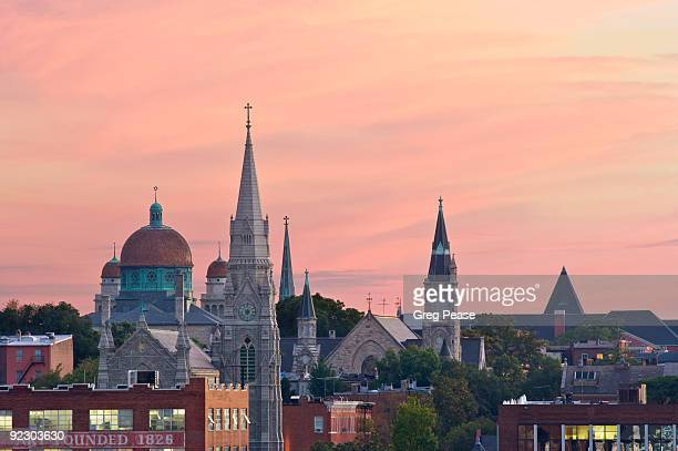 """baltimore's bolton hill neighborhood at sunset  - """"greg pease"""" stock pictures, royalty-free photos & images"""