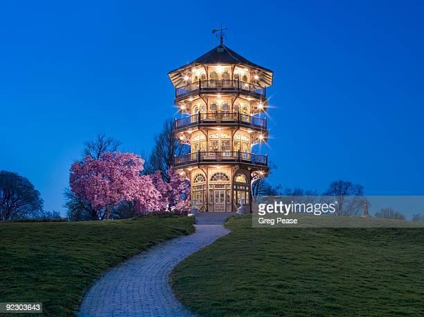 baltimore's patterson park pagoda   - maryland staat stockfoto's en -beelden