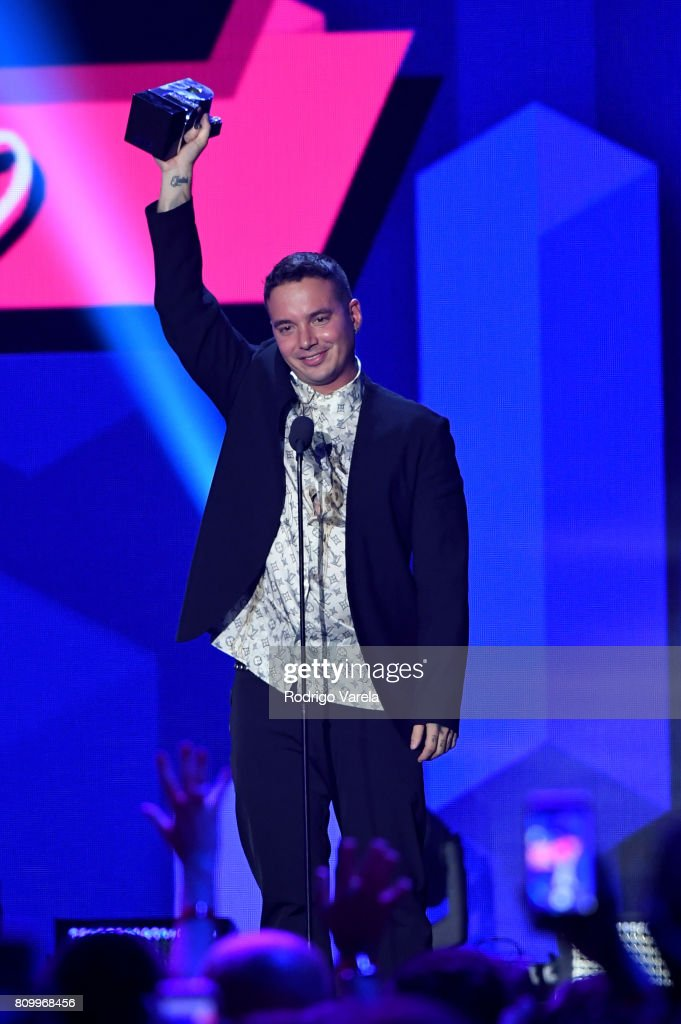 J Balvin accepts an award on stage during Univision's 'Premios Juventud' 2017 Celebrates The Hottest Musical Artists And Young Latinos Change-Makers at Watsco Center on July 6, 2017 in Coral Gables, Florida.