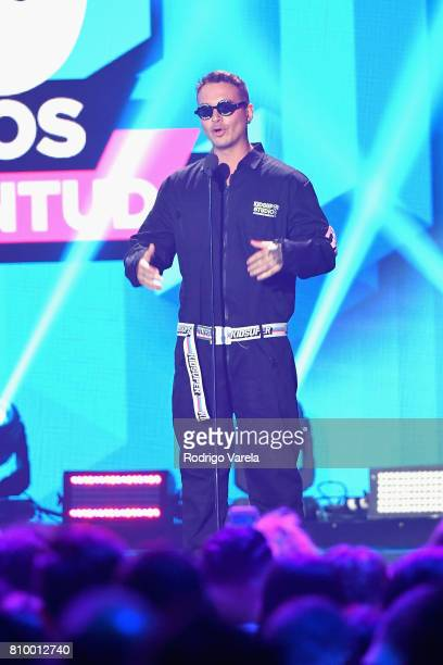 Balvin speaks on stage at the Univision's 'Premios Juventud' 2017 Celebrates The Hottest Musical Artists And Young Latinos ChangeMakers at Watsco...