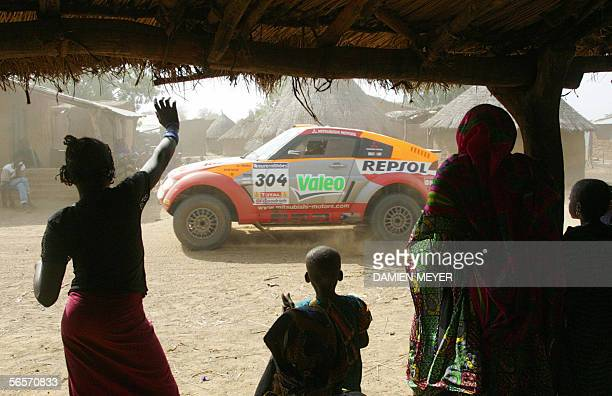 Spain's Nani Roma drives during the eleventh stage of the 28th Dakar Rally between Kayes and Bamako, 11 January 2006. French Stephane Peterhansel...