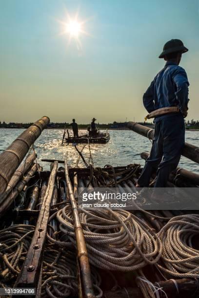 bamboo boats in nam dinh province (vietnam) - ナムディン ストックフォトと画像