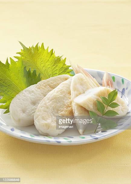 Bamboo leaf shaped fish cakes