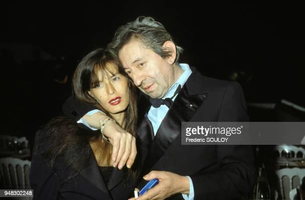 Bambou chanteuse et Serge Gainsbourg chanteur lors des victoires de la musique le 3 février 1990 à Paris France